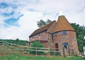 Pet Friendly Cottage Battle | Millers Oast East Sussex